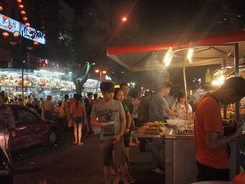 Jalan Alor (Flickr / EvlMel)